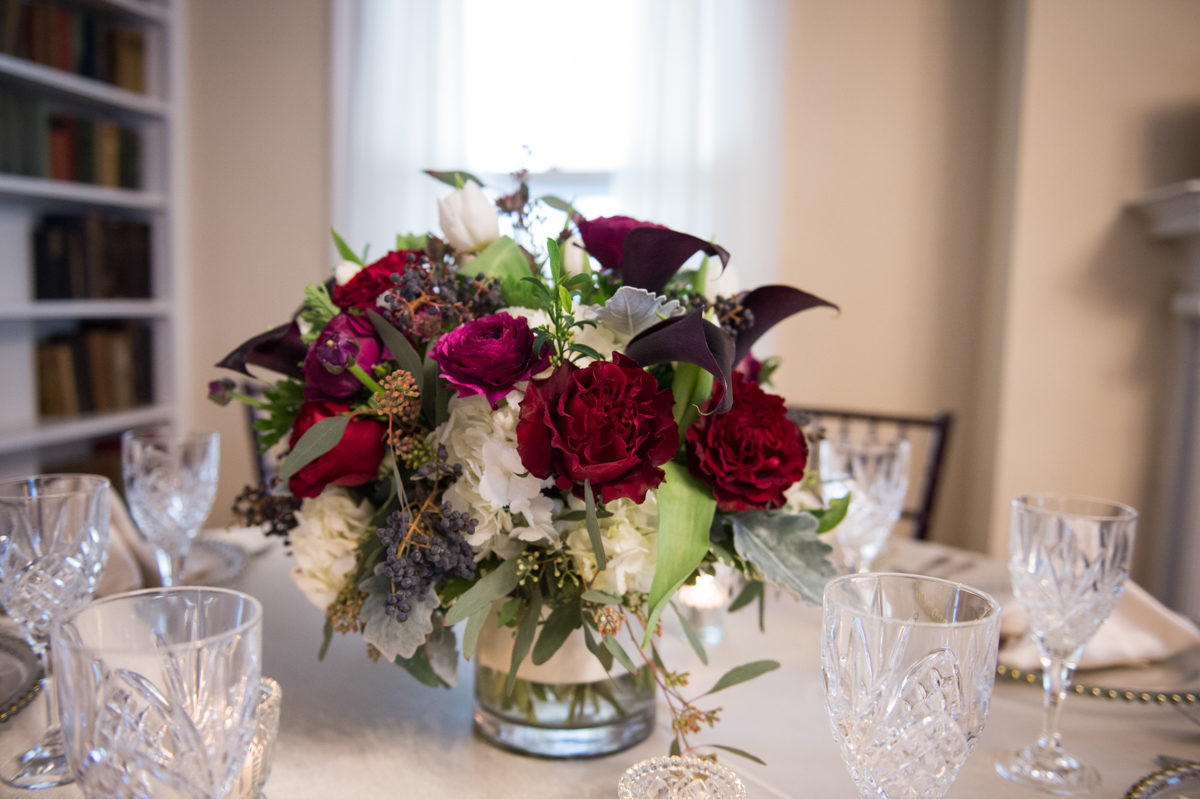 red-pink roses-with-white-hydrangia