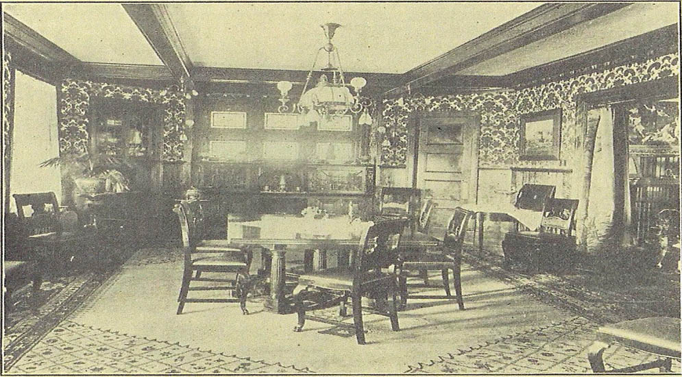 hearthstone-dining-with-ornate-furniture