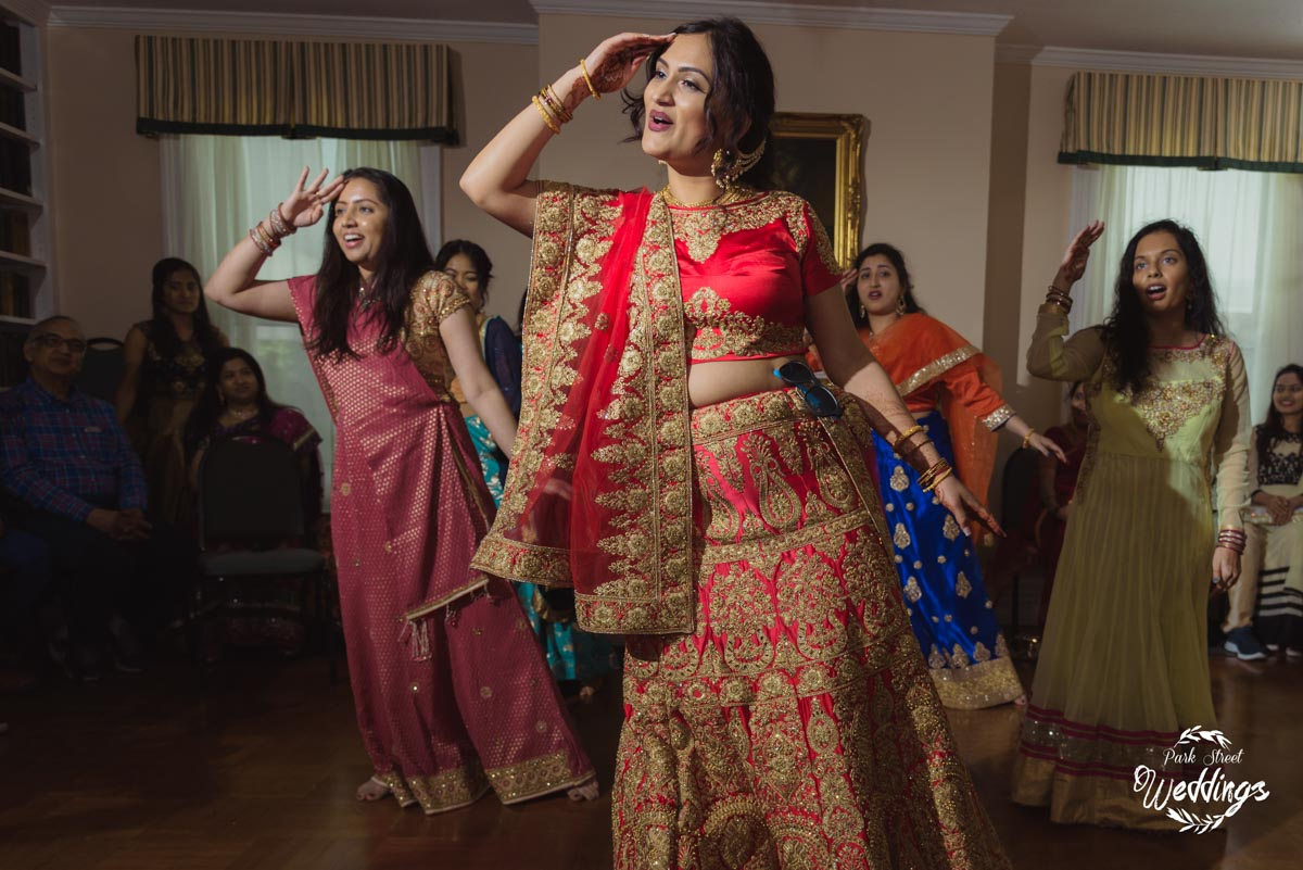 bride-ladies-displaying-bollywood-dance-moves-at-indian-wedding-danbury-ct