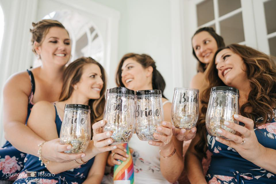 tarrywile-hikers-bride-with-bridesmaids-and-custom-goblets