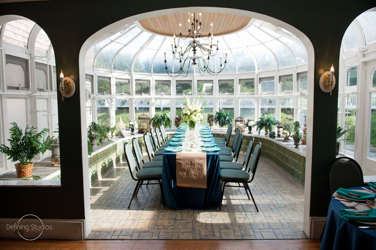 head-table-in-conservatory-for-july-dream-wedding