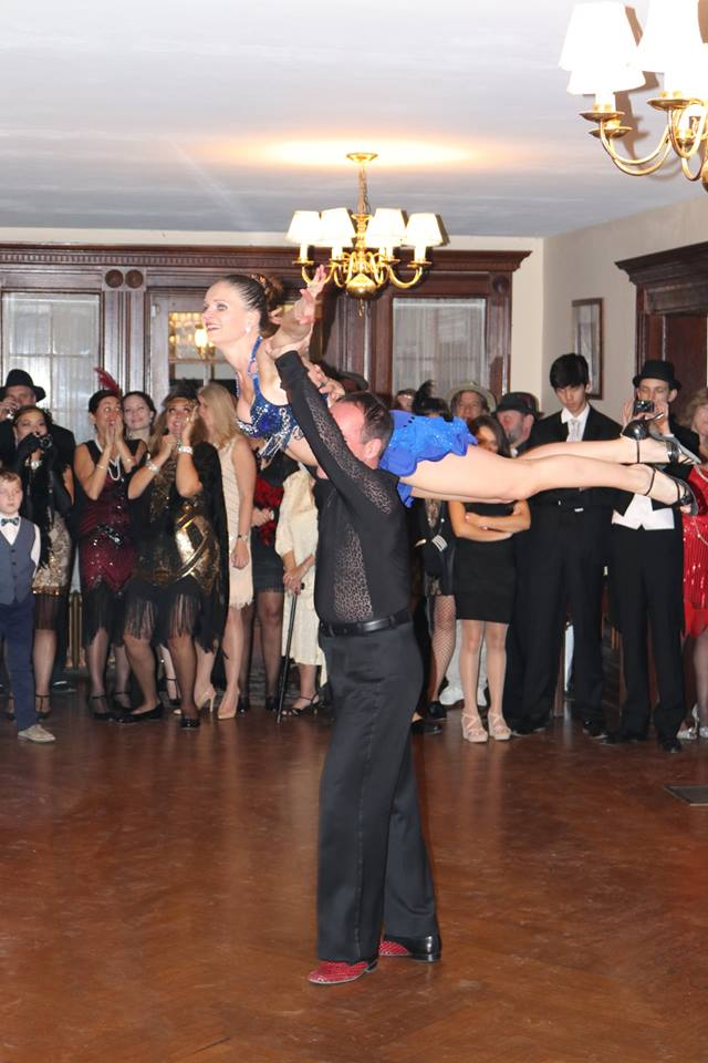 roaring-20s-ballroom-dance-couple