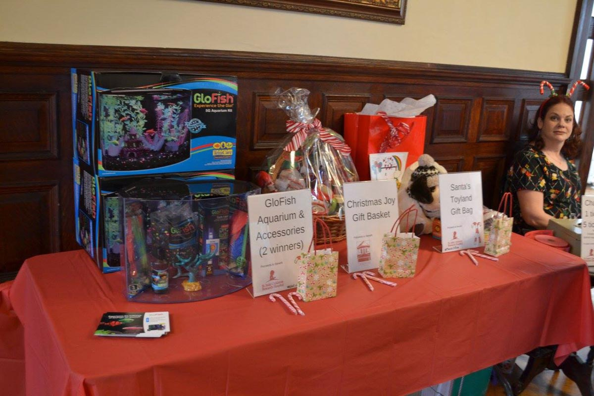 fundraiser-raffle-prize-table