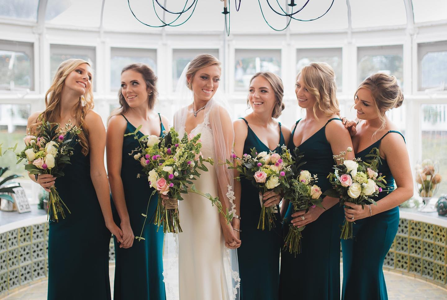 wedding-party-bride-bridesmainds-in-conservatory