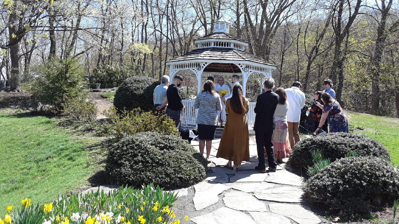 outdoor small wedding ceremony
